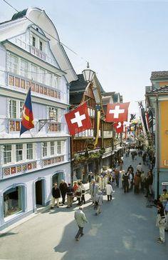 Appenzell, Canton of Appenzell Ausserrhoden Zurich, Glacier Express, Beautiful Places, Great Places, Places Ive Been, Places To Travel, Places To Visit, Beaux Villages, Belle Villa