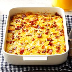 The best casserole recipes, from Amish breakfast casserole to zucchini pizza casserole.We've enjoyed a few hearty breakfast casseroles while visiting an Amish inn. When I asked for a recipe, one of … Amish Breakfast Casserole Recipe, Brunch Casserole, Casserole Recipes, Chicken Casserole, Pizza Casserole, Spaghetti Casserole, Zucchini Casserole, Twice Baked Potato Casserole, Zucchini Gratin