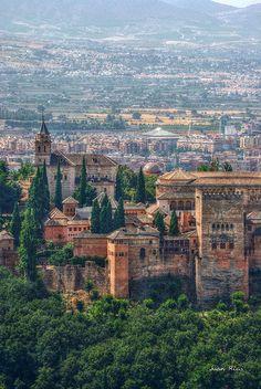 Desde San Miguel alto  la Alhambra  Granada  Spain