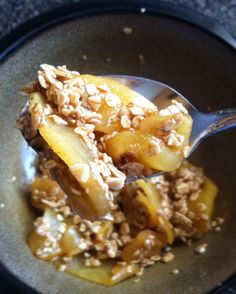 Apples in a Bag - This recipe is amazing! I put it in a bowl and added 1/4 cup of quick oats, 1 tbsp. of brown sugar and a bit of butter. It's like a low calorie apple crisp and it's delicious!