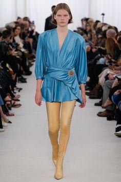 Balenciaga Spring 2017 Ready-to-Wear Fashion Show - Marland Backus (Supreme)