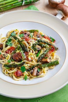 ROASTED ASPARAGUS AND MUSHROOM CARBONARA http://www.closetcooking.com/2014/06/roasted-asparagus-and-mushroom-carbonara.html