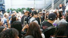 Cuando llegue al aeropuerto no los veía cuando veo a todos los chicos directo a tomar su avión