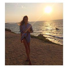 In my man's @ralphlauren shirt ... Works out perfectly as a dress  #kisterss #Mykonos #RalphLauren