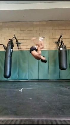 Fitness Workouts, Gym Workout Videos, Gym Workout For Beginners, Fitness Tips, Self Defense Moves, Self Defense Martial Arts, Karate, Martial Arts Workout, Martial Arts Training