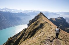 Augstmatthorn: kurze Wanderung ab Lombachalp zum Hardergrat Hiking Routes, Summer Bucket Lists, Weekender, Switzerland, Adventure Travel, National Parks, Road Trip, Wanderlust, Mountains