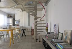 Escada pré-moldada em concreto