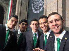 Listos para el abanderamiento  @Raul_Jimenez9 @puliidooo @HHerreramex @Diego_Reyes13 pic.twitter.com/PxtCe3ofnV