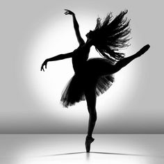 Silhouette of ballet dancer Amazing Dance Photography, Ballet Photography, White Photography, Shadow Photography, Artistic Photography, Dance Photos, Dance Pictures, Dance Images, The Dancer