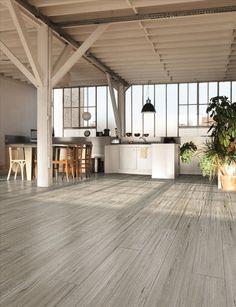Balau gris 23x120 Pavimento imitación a madera para interiores en color gris claro.