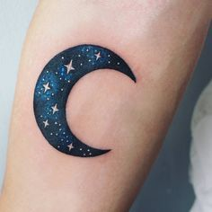 Moon Tattoos With Meaning - Crescent Moon Tattoo Body Art Tattoos, New Tattoos, Tribal Tattoos, Cool Tattoos, Galaxy Tattoos, Bird Tattoos, Trendy Tattoos, Small Tattoos, Tattoos Lindas