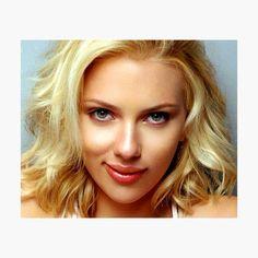 Holiday makeup looks; promo makeup looks; wedding makeup looks; makeup looks for brown eyes; glam makeup looks. Scarlett Johansson, Holiday Makeup Looks, Wedding Makeup Looks, Avery Ovard, Makeup Looks For Brown Eyes, Glam Makeup Look, Summer Hairstyles, Chiffon Tops, Actresses