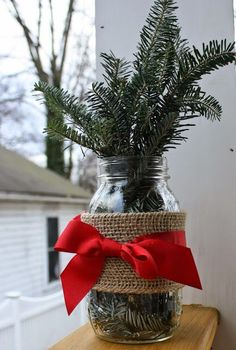 "43 Graceful Diy Mason Jar Crafts Ideas - Mason jar gifts, or what some people call ""gifts in a jar,"" are anything you can imagine being made with a mason jar. And we're not just talking Chris. Mason Jar Christmas Gifts, Mason Jar Gifts, Mason Jar Diy, Rustic Christmas, Simple Christmas, Christmas Crafts, Christmas Christmas, Primitive Christmas, Table Verte"