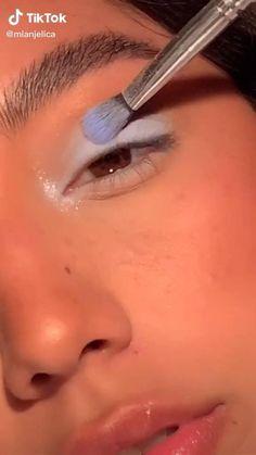 Edgy Makeup, Makeup Eye Looks, Eye Makeup Art, Cute Makeup, Pretty Makeup, Skin Makeup, Creative Eye Makeup, Colorful Eye Makeup, Alternative Makeup
