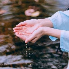 Image in Purity 💭💛 collection by ⚘ on We Heart It Disney Films, Photo Main, Hand Photography, Profile Photography, Kohaku, Profile Picture For Girls, Hand Reference, Girly Pictures, Beautiful Hands