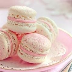 Strawberry macarons by RuthBlack. French macarons filled with strawberry cream Raspberry Ganache, White Chocolate Raspberry, Raspberry Macaroons, Red Raspberry, Pavlova, Cookie Recipes, Dessert Recipes, Baby Recipes, Fun Recipes