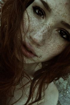 red hair! freckles! LOVES!