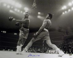 Muhammad Ali and Floyd Mayweather jr . Mohamed Ali, Floyd Patterson, Kentucky, Muhammad Ali Boxing, Photo Star, Float Like A Butterfly, Floyd Mayweather, Sport Icon, Fitness