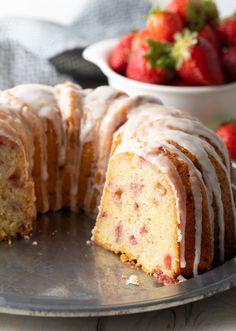 Fresh Strawberry Cake Recipe is made with fresh lemon zest and a yogurt cake batter. Perfect moist and tender strawberry bundt cake! Strawberry Bundt Cake Recipe, Strawberry Yogurt Cake, Strawberry Recipes, Blueberry Recipes, Angle Food Cake Recipes, Dessert Recipes, Dessert Ideas, Cupcake Recipes, Baking Tins