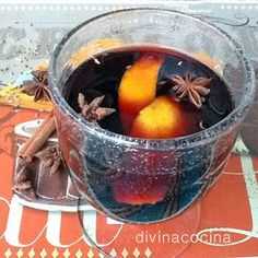 mulled wine with spices Liquor Drinks, Wine Cocktails, Cocktail Drinks, Alcoholic Drinks, Wine Recipes, Mexican Food Recipes, Cooking Recipes, Healthy Recipes, Chilean Recipes