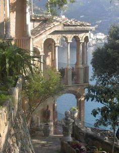 architecture old italy Landhaus Scarpariello Ravello Italien Northern Italy, Travel Aesthetic, Aesthetic Pictures, Italy Travel, Italy Vacation, Italy Tourism, Shopping Travel, Aesthetic Wallpapers, Victorian Architecture