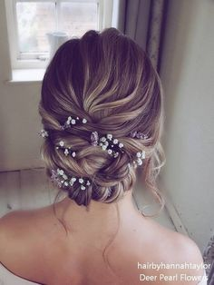 Long wedding hairstyles and updos by Hair By Hannah .- Coiffures de mariage longues et chignons par Hair By Hannah Taylor Long wedding hairstyles and updos by Hair By Hannah Taylor - Wedding Hair Half, Diy Wedding Hair, Long Hair Wedding Styles, Elegant Wedding Hair, Wedding Hairstyles For Long Hair, Wedding Hair And Makeup, Bride Hairstyles, Long Hair Styles, Hairstyle Ideas