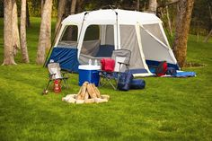 The Camp Valley 8-Person Instant Tent is a great addition to your outdoor adventure equipment. I love mine!!!!!!