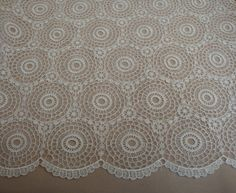 Ivory Guipure Lace - Circular Medallion