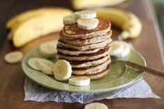 Gluten Free Vegan Pancakes - 59 Fabulous (and Vegetarian) Mother's Day Brunch Recipes | ohmyveggies.com