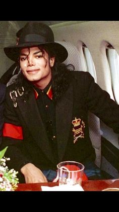Michael Jackson 1990, 90s Pop Culture, Jackson Family, Jackson 5, King Of Music, The Jacksons, Important People, Lady And Gentlemen, Black Men
