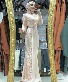 Hijab Prom Dress, Floral Homecoming Dresses, Hijab Evening Dress, Simple Bridesmaid Dresses, Dress Outfits, Fashion Dresses, Dress Muslim Modern, Kebaya Modern Dress, Muslim Dress