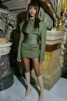 Jourdan Dunn looks sensational in khaki cut-out dress in Paris - Flawless: Jourdan Dunn as she put on a sensational display at Balmain's Paris Fashion Week… Source by ranianabilh - Belted Shirt Dress, Tee Dress, Jourdan Dunn, Dress Cuts, Celebrity Look, Look Cool, Boho Dress, Fall Outfits, Dresses With Sleeves