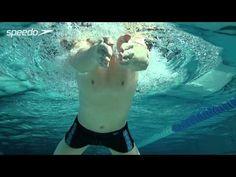 Con braza Técnica - Stroke. Ver los vídeos Speedo de ajuste creada con un entrenador de natación de élite de darle consejos braza técnica de expertos para ayudarle a trabajar en su accidente cerebrovascular. Usando una variedad de bajo el agua, por encima, delante, los ángulos laterales y animaciones para darle las mejores vistas para el aprendizaje de la técnica de nado braza.