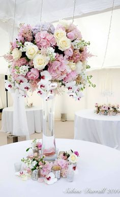 22 Spectacular Floral Wedding Centerpieces for Every Bride - Sabine Darrall
