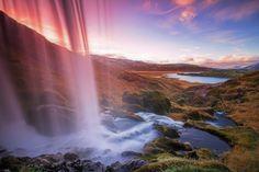 Tratas mal cuando ignoras. Eres educad@ si conoces. Te interesas cuando te beneficia. Si no te sientes retratad@ enhorabuena por tu normalidad  ......... Feliz finde relleno de lo que más te guste  ......... Fot.: DHerr #berserkjahraun #iceland #islandia #cascada #waterfall #autumn #atardecer #sunset #lava #volcan #volcano #naturaleza #nature #musica #music .........  D:Ream - Things Can Only Get Better