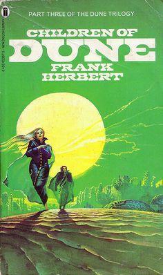 Children of Dune, by Frank Herbert, Cover art by Bruce Pennington Cool Books, Sci Fi Books, Science Fiction Books, Pulp Fiction, Fiction Novels, Dune Film, Dune Book, Dune Frank Herbert, Dune Art