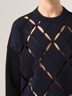 Sewing 101 - Guide for beginners, like me. Knitwear Fashion, Knit Fashion, Look Fashion, Fashion Details, Womens Fashion, Fashion Design, Fabric Manipulation, Knitting Designs, Proenza Schouler