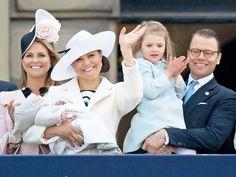 księżna Madeleine, księżna koronna Szwecji Wiktoria z księciem Oscarem, księżniczka Estelle i książę Daniel [30.04.2016]