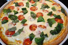 Tomaatti-Fetapiirakka Vegetable Pizza, Feta, Food And Drink, Dinner, Vegetables, Desserts, Joy, Cakes, Drinks