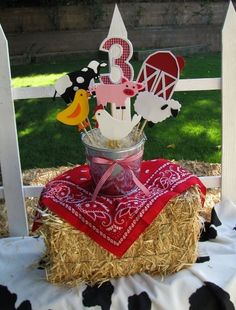 Farm/Barnyard Theme Party Centerpiece by jollylollycreations. This ones for you Kelly. Party Animals, Farm Animal Party, Farm Animal Birthday, Cowboy Birthday, Farm Birthday, 3rd Birthday Parties, Petting Zoo Birthday Party, Birthday Ideas, Farm Themed Party
