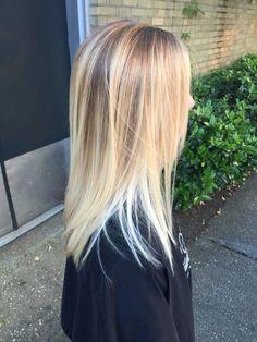 Brightening up to Pearl Blonde - Wellness - Modern Salon Long Messy Hair, Long Hair Cuts, Long Hair Styles, Women Haircuts Long, Long Bob Hairstyles, Party Hairstyles, Wedding Hairstyles, Pearl Blonde, Pearl Hair