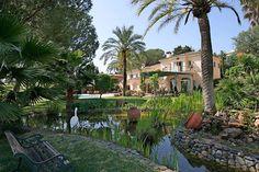 Viel Platz und mehr, im Las Brisas Golf Club #Marbella  Diese herrliche Villa befindet sich in der ersten Reihe des Club de Golf Las Brisas.  Sie genießt die absolute Sicherheit und Vertraulichkeit von dieser Luxus-Anlage in Marbella.  Die exklusive Villa ist auf zwei Ebenen gebaut und komplett eingerichtet mit den renommiertesten internationalen http://aiximmo.ch/de/listing/viel-platz-und-mehr-im-las-brisas-golf-club-2/  #frenchriviera #cotedazur #mallorca #marbella #s