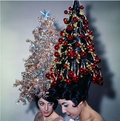 Revisit Holiday Cheer From Years Gone by in Vintage Photos of Christmas Past Christmas Tree Hair, Christmas Tree Costume, Christmas Wishes, Merry Christmas, Christmas Time, Christmas Scenery, 1950s Christmas, Christmas Outfits, Christmas Background