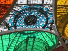 Lumières et couleurs... Daniel Buren investit le Grand Palais.
