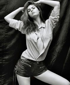 "( ☞ 2017 ★ BEAUTIFUL CELEBRITY WOMAN ★ ALEXANDRA DADDARIO...WEARING SHORTS. ) ★ Alexandra Anna Daddario - Sunday, March 16, 1986 - 5' 8"" 136 lbs 38-26-36 - New York City, New York, USA."