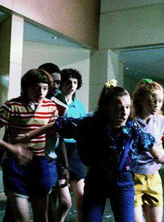 El Hopper + favorite outfits in e pluribus unum Nancy Stranger Things, Stranger Things Actors, Bobby Brown Stranger Things, Stranger Things Have Happened, Stranger Things Season 3, Stranger Things Funny, Stranger Things Netflix, Detective, Adrien Y Marinette