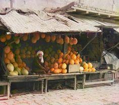 Sergei Mikhailovich Prokudin-Gorskii. Melon Vendor, 1911.