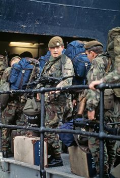 Thirty years ago, Argentina invaded the Falkland Islands, sparking a brief, undeclared war with Great Britain over control of the territory. Seen here are British troops preparing for deployment. The photo shows men of The Battalion Scots Guards. British Armed Forces, British Soldier, British Army, Falklands War, Royal Marines, Military Police, Korean War, Modern Warfare, Vietnam War