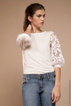 Stylish Blouses has never been so Charming! Since the beginning of the year many girls were looking for our Outstanding guide and it is finally got released. Now It Is Time To Take Action! Modest Fashion, Fashion Outfits, Fashion Trends, Tee Shirt Dentelle, Fashion Looks, Blouse Designs, Stylish Outfits, Ideias Fashion, Autumn Fashion