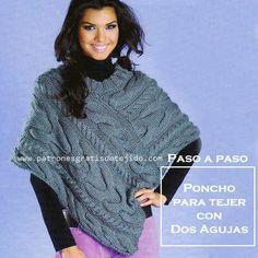 Poncho tejido con dos agujas con trenzas Poncho Knitting Patterns, Knitted Poncho, Knitted Shawls, Crochet Shawl, Crochet Baby, Knit Crochet, Yarn Crafts, Ideias Fashion, Fur Coat
